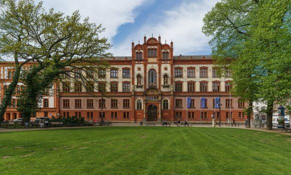 Lernmöglichkeiten an Deutschen Universitäten